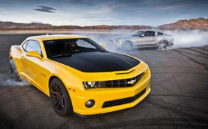 2013 Chevrolet Camaro SS 1LE and 2013 Ford Mustang GT Track Pack Face Off on Head 2 Head