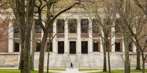 Trump Administration Boosts Pressure on Harvard Over Stimulus Funds