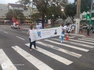 Renato Vieira da Costa foi atingido por um carro que ultrapassou o sinal vermelho. Família pediu que motoristas tenham mais responsabilidade e autoridades sejam mais duras no trânsito.
