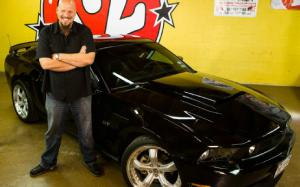 """Jeff Allen of CNBC's """"The Car Chasers"""" - Celebrity Drive - Motor Trend"""