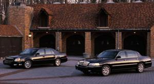 2003 Cadillac Deville DTS vs. 2003 Lincoln Town Car Cartier - Luxury Sedan Comparison - Motor Trend