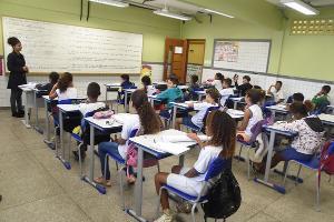 A manifestação veio do Sindiupes após pronunciamento do governador, Renato Casagrande, anunciando que vai autorizar atividades das escolas em outubro
