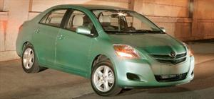 2007 Honda Fit vs. 2007 Nissan Versa vs. 2007 Toyota Yaris - Economy Car Comparison - Motor Trend