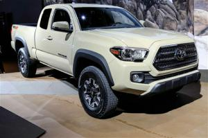 2016 Toyota Tacoma First Look - Motor Trend