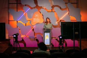 O evento de entrega dos troféus será digital, respeitando todas as medidas de segurança e distanciamento indicados pelas autoridades de saúde