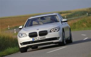 2010 BMW 760Li First Test - Motor Trend