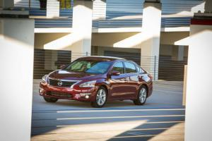 2013 Nissan Altima 2.5 SL Long-Term Update 11 - Motor Trend