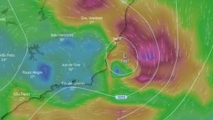 A previsão do Climatempo indica que até o domingo (25) os acumulados de chuva chegarão aos 100 milímetros em algumas cidades do Espírito Santo, o que poderá acarretar em alagamentos e inundações