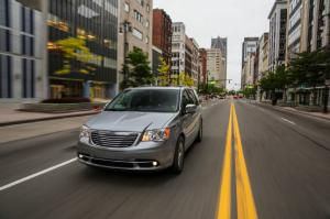 Next Chrysler Town & Country PHEV to Arrive early - Motor Trend WOT
