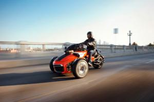 2015 Can-Am Spyder F3 First Ride - Motor Trend