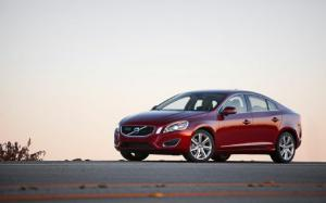 2012 Volvo S60 T6 AWD Arrival - Motor Trend