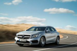 2015 Mercedes-Benz GLA45 AMG First Look - Motor Trend