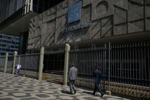 A Associação Brasileira dos Importadores de Combustíveis (Abicom) informou que a queda do preço, válida a partir da sexta (31) foi de R$ 0,0692 por litro