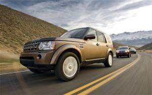 2010 Land Rover LR4 vs 2010 Lexus GX 460 vs 2010 Mercedes-Benz GL450 Comparison - Motor Trend