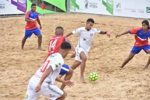 Competições de areia gratuitas estão levando o público à Arena Verão Vitória 2020. Neste fim de semana tem nova rodada no futebol de areia