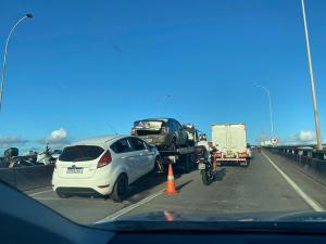 De acordo com informações divulgadas pela Rodosol, uma sequência de acidentes e panes em veículos complicam o trânsito na noite desta sexta-feira (07)