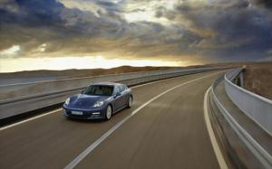 2010 Porsche Panamera First Drive and Review - Motor Trend
