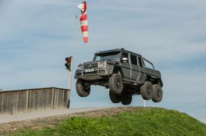 2014 Mercedes-Benz G63 AMG 6x6 First Drive - Motor Trend