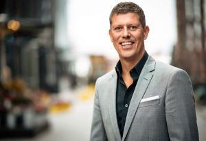 Karlsen klar med nytt eventbyrå - tapper Playroom for ansatte   Kampanje