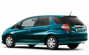Stretched to Fit: Honda Fit Shuttle, Fit Shuttle Hybrid Debut In Japan