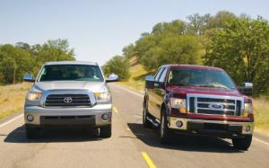 2009 Ford F-150 SuperCrew Lariat vs 2009 Toyota Tundra SuperCrew Limited Specs - Motor Trend