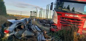 A vítima foi socorrida com vida e encaminhada para o hospital. O acidente aconteceu no interior de Sooretama, no Norte do Espírito Santo