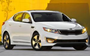 2013 Kia Optima Hybrid Gains MPGs, Trunk Space, 40 Lb-Ft of Torque