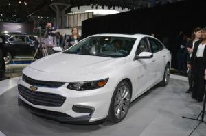 2016 Chevrolet Malibu First Look - Motor Trend
