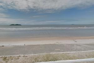 Material foi observado em quatro praias do município. Dessas, três já encontram-se limpas, garante o órgão