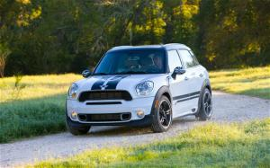 2011 Mini Cooper Countryman S ALL4 Exterior - Motor Trend