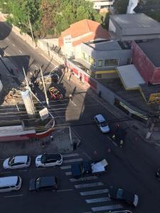 A colisão entre um carro de passeio e uma caminhonete ocorreu no início da manhã deste sábado (11) e não gerou complicações ao trânsito da cidade