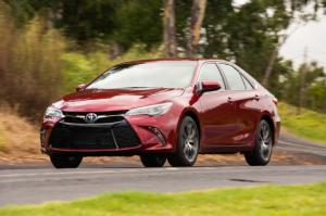 2015 Toyota Camry XSE V-6 First Test - Motor Trend