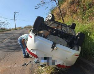 Motorista estava sozinho no momento do acidente, segundo informações da Polícia Militar