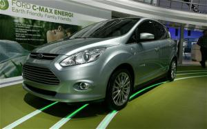 2013 Ford C-Max Hybrid and C-Max Energi Plug-In Hybrid First Look - Motor Trend