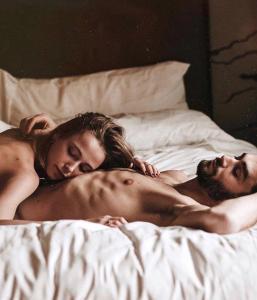 O especialista afirma que uma relação real nasce da nossa escolha e não da força do destino
