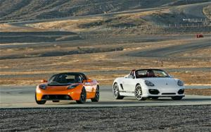 2010 Tesla Roadster Sport and 2011 Porsche Boxster Spyder at Willow Springs - Motor Trend