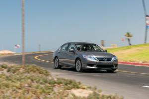 2014 Honda Accord Hybrid Touring Long-Term Update 2 - Motor Trend