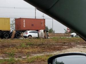 De acordo com o Corpo de Bombeiros, apesar do susto, o condutor do veículo não ficou ferido no acidente