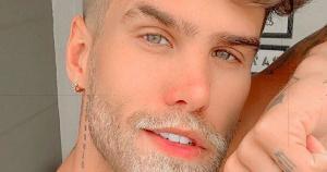Rodrigo Malafaia usou o Twitter para falar sobre o vírus da Aids após o consultor de moda Bernardo Matos, do Espírito Santo, fazer o mesmo e viralizar na web