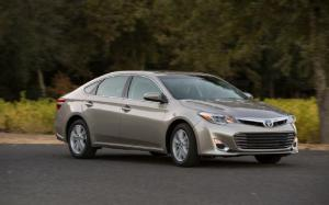2013 Toyota Avalon Limited First Test - Motor Trend