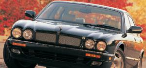 1995 Jaguar XJR - Road Test - European Car - Living Room - Motor Trend Magazine