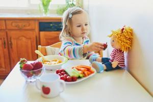 É muito importante observar é que no mês da criança se fala muito sobre presentes e pouquíssimo sobre presença. O melhor e mais importante brinquedo que sua criança terá é você