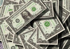 O câmbio foi marcado por um novo dia de volatilidade nesta terça-feira (07). Na mínima, a moeda americana foi negociada na casa dos R$ 5,28