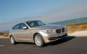 2010 BMW 5 Series Gran Turismo Wheels, Tires, and Cargo Area - Motor Trend