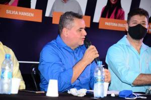 Candidato a prefeito de Cariacica, Sandro Locutor (PROS) sentiu dificuldades em respirar e exame constatou o comprometimento de parte dos pulmões, informou assessoria