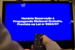 Em reunião com o TRE-ES nesta quinta-feira (24), emissoras de TV se disseram prontas para transmitir, mas número de partidos contrários só aumenta