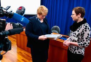 Kulturministeren svarer på rapport-kritikk fra Discovery og Nent: - Vi har tillit til Oslo Economics   Kampanje