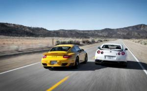 Thread of the Day: 2013 Nissan GT-R or 2012 Porsche 911 Turbo S?
