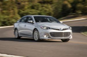 2014 Toyota Avalon Limited Hybrid First Test - Motor Trend