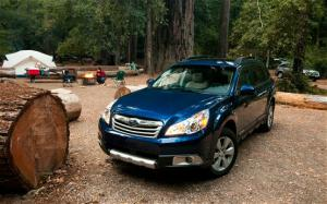 2010 Subaru Outback 2.5i Limited Reviews - Motor Trend